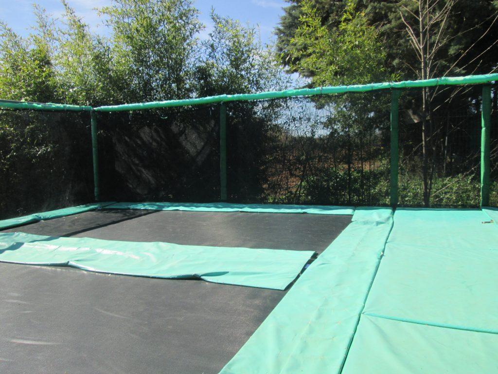 les-petits-fermiers-trampoline