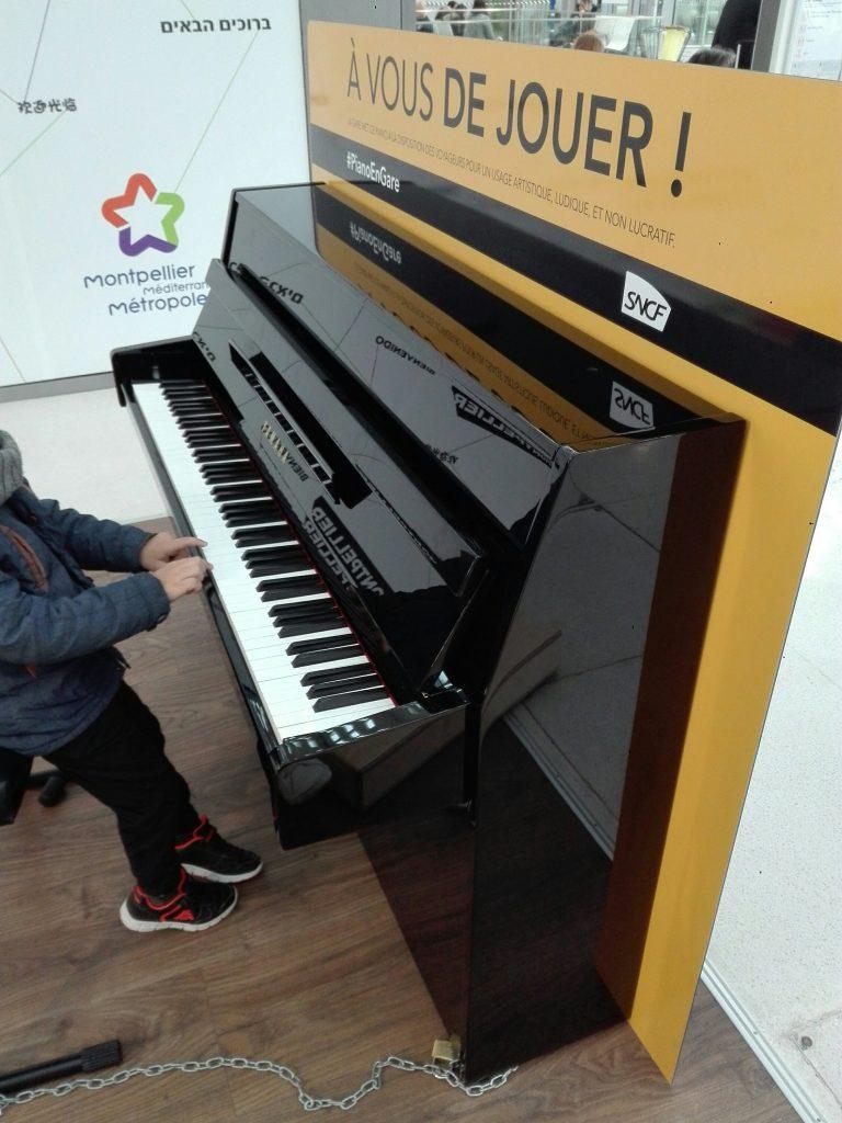 piano-en-gare.jpg