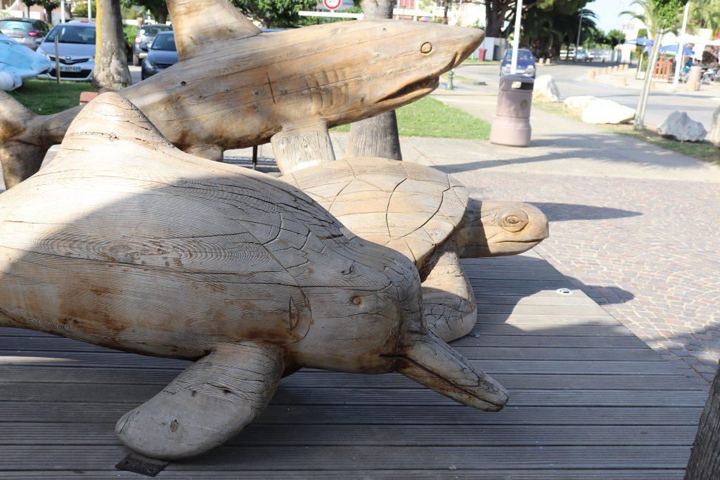 tortue-dauphin-en-bois