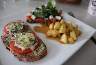 bruchetta-tomates-fromage-de-chevres