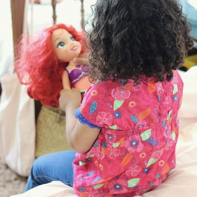 cheveux-boucles-petite-fille