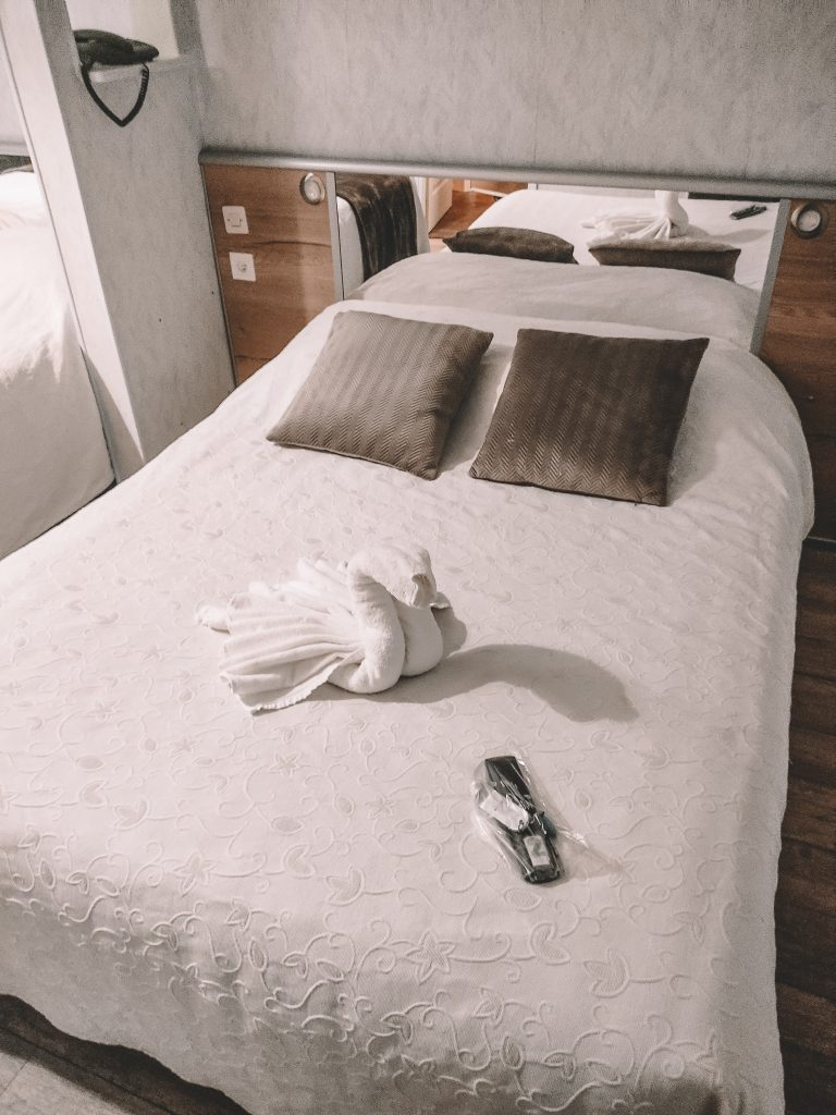 hotel-la-commanderie-literie