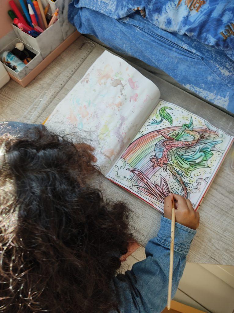 peinture-magique-usborne-dragon